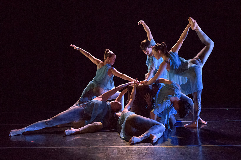 Image of 6 Morrison Dancers in their Dreamcatcher Performance